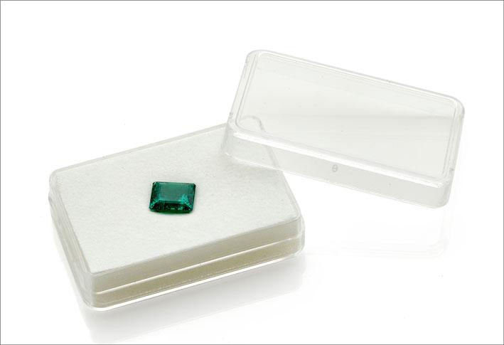 Raro smeraldo colombiano no oil di 4,18 carati