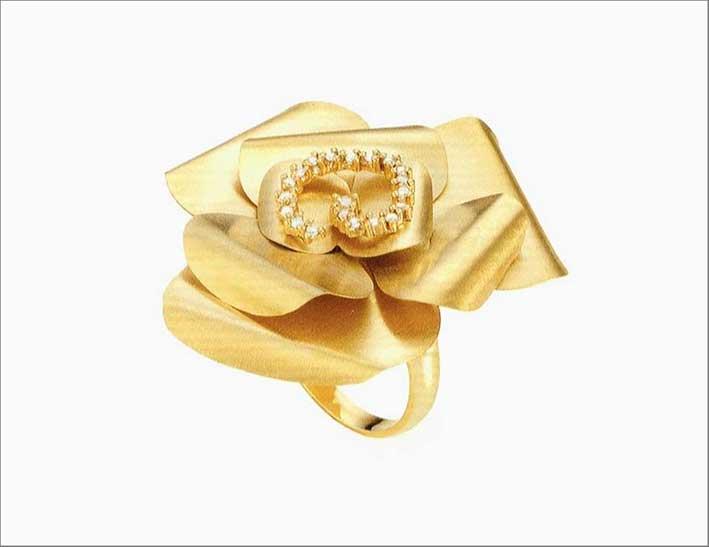Anello fiore in oro giallo e diamanti