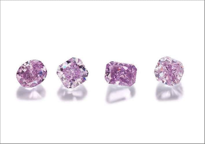 Quattro purple diamonds