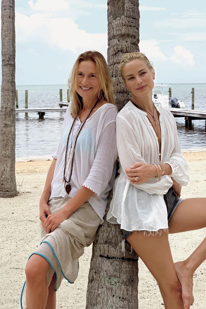 Tamara Comolli, a sinistra, con Carolyn Murphy