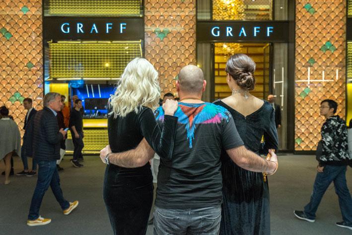 Foto con modelle. Copyright: gioiellis.com