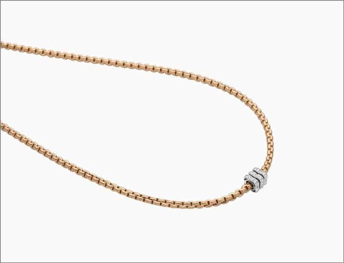 Collana in oro rosa e rondella con pavé di diamanti