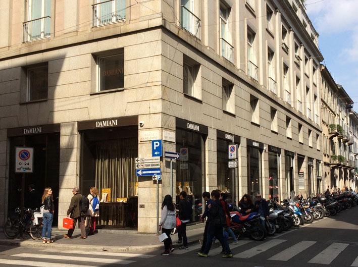 Il negozio Damiani di via Monte Napoleone, a Milano, dove si è svolta la Masterpiece Couture