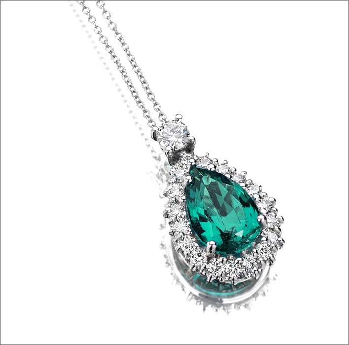 Pendente con smeraldo sintetico