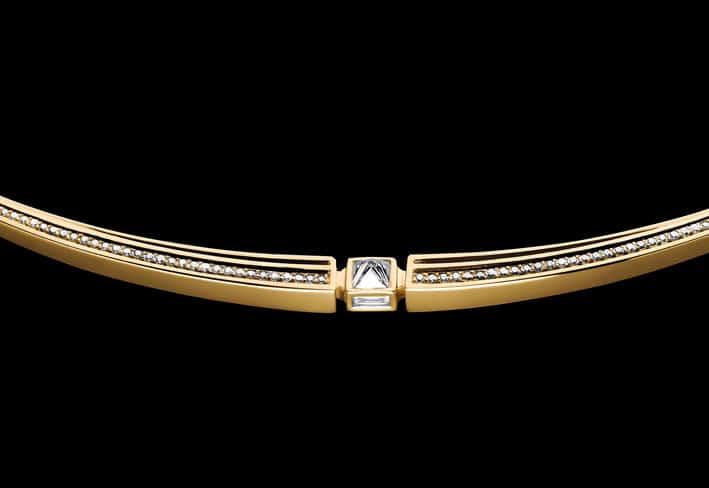Particolare di un collier di Tejen