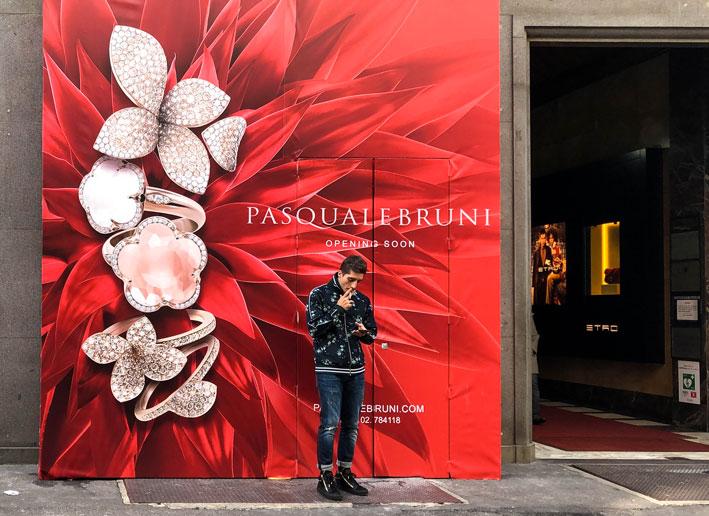 Lavori in corso per l'apertura dello store di Pasquale Bruni in via Monte Napoleone a Milano
