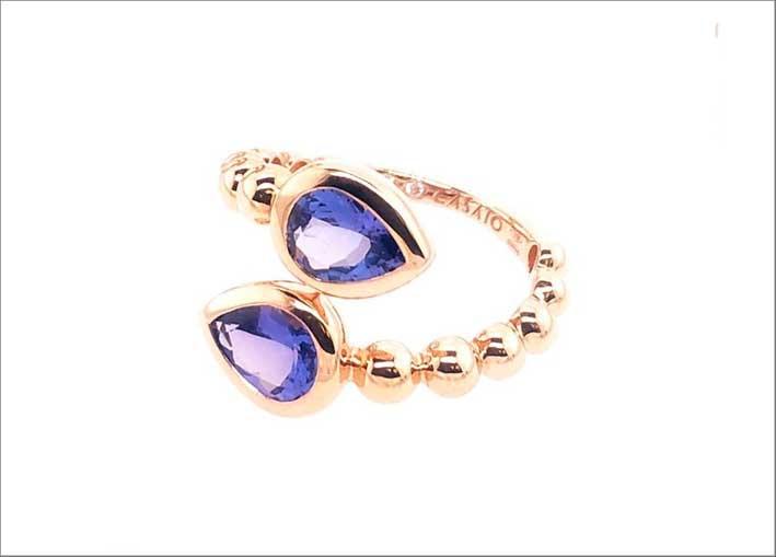 Casato, anello in oro rosa con tanzanite e diamanti della collezione Boutique