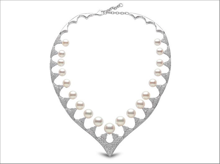 Collana di perle e diamanti di Yoko London