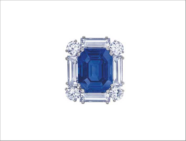 Graff: a Ceylon rectangular-cut sapphire brooch, weighing 39.19 carats, by Cartier