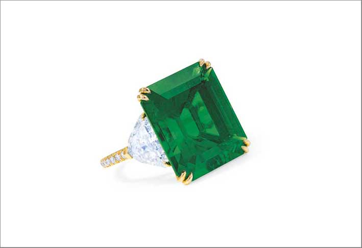 A Colombian rectangular-cut emerald ring, weighing 13.53 carats