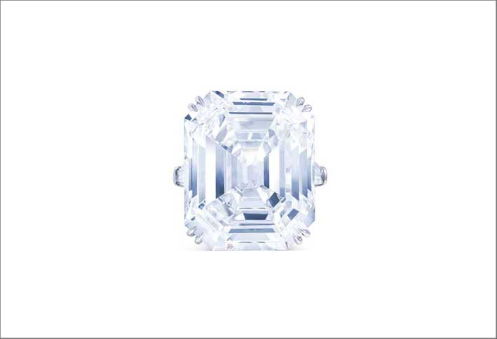 A rectangular-cut, D colour, VVS2 clarity diamond ring, weighing 25.20 carats by Harry Winston