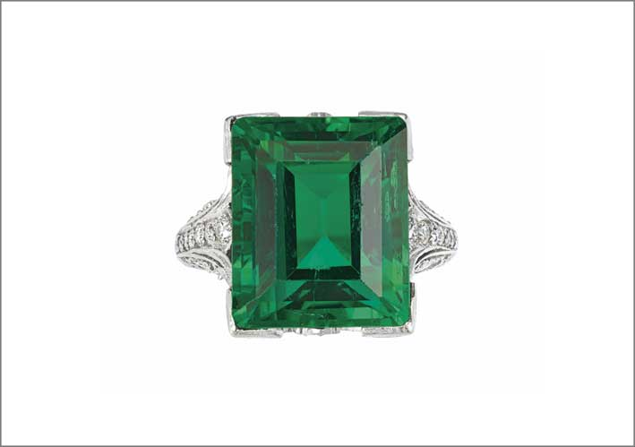 The duPont Emerald, anello con smeraldo colombiano di 9,11 carati