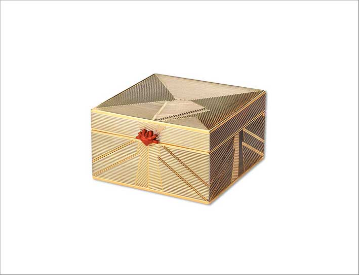 Keepsake box, in vermeil e lacca