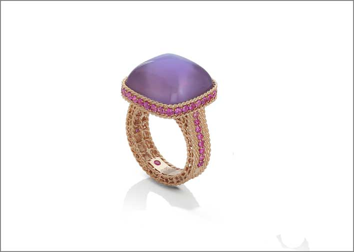 Rose gold ring with amethyst, pink sapphires