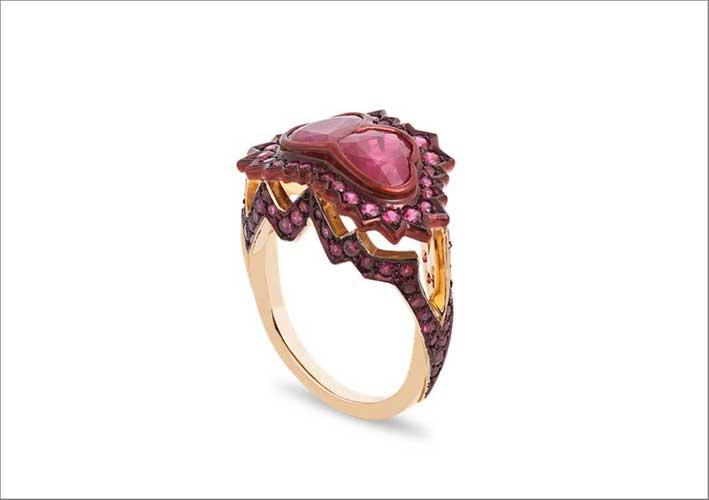 Us ring, con rubini a forma di cuore, ceramica, oro