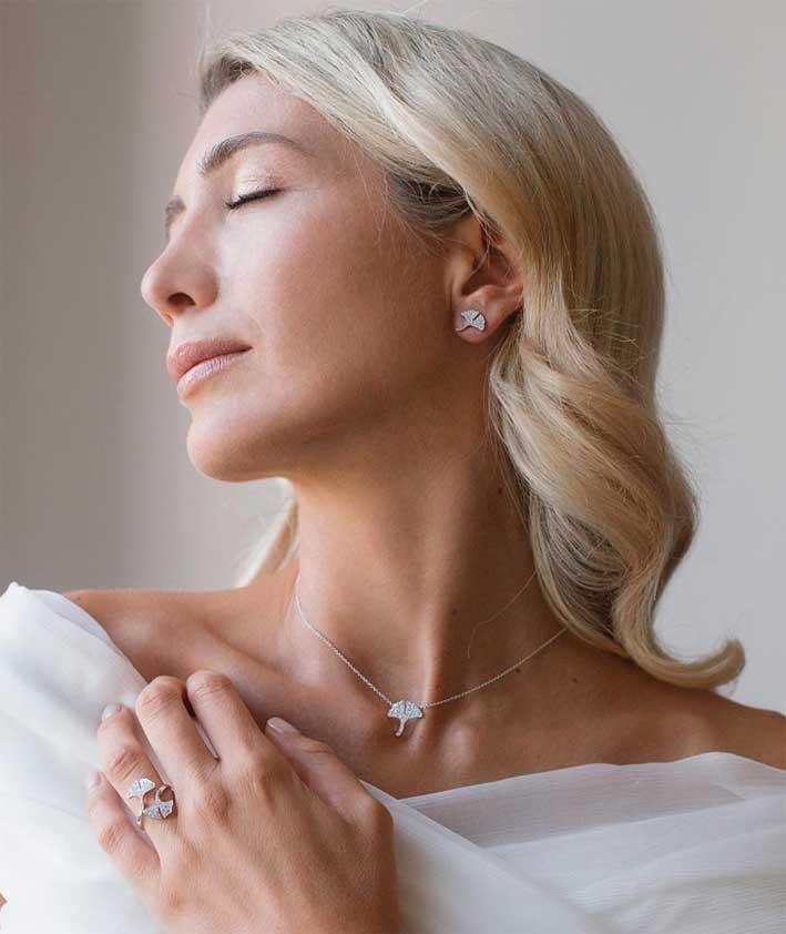 Anello, orecchini e collana