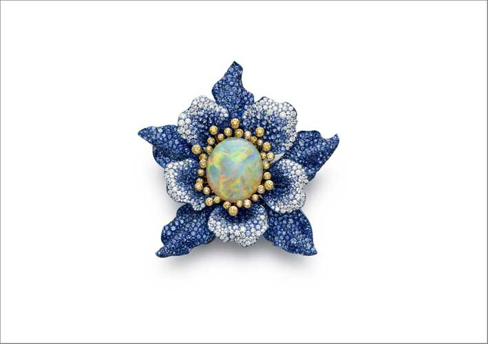 Spilla con opale, zaffiri, diamanti gialli e diamanti