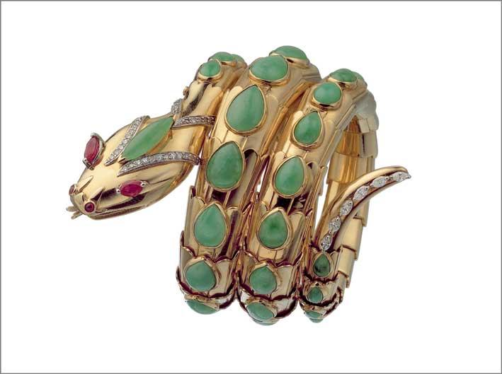 Serpenti bracelet in gold with jade, rubies and diamonds, 1968 Orologio-bracciale Serpenti in oro con giada, rubini e diamanti, 1968 BVLGARI Heritage Collection