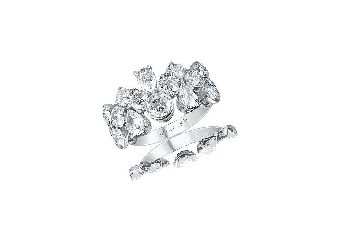 Anello con diamanti a goccia di Harakh