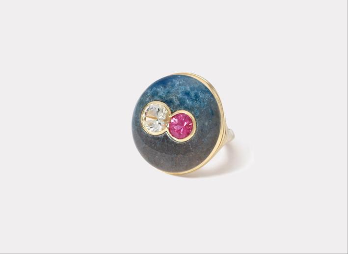 Anello Lollipop con doppio zaffiro rose e incolore su trolleite