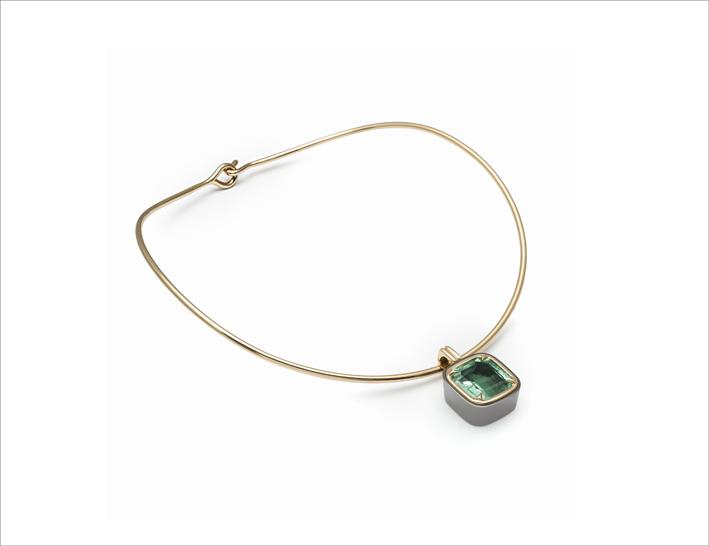 Collana con smeraldo della linea Extraordinaire