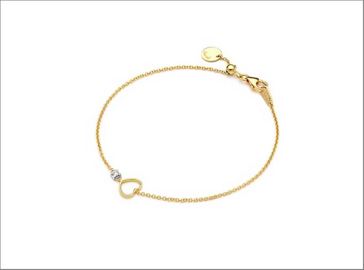 Bracciale in oro 18kt con sagoma a forma di piccolo cuore e diamante da 0.01 carati