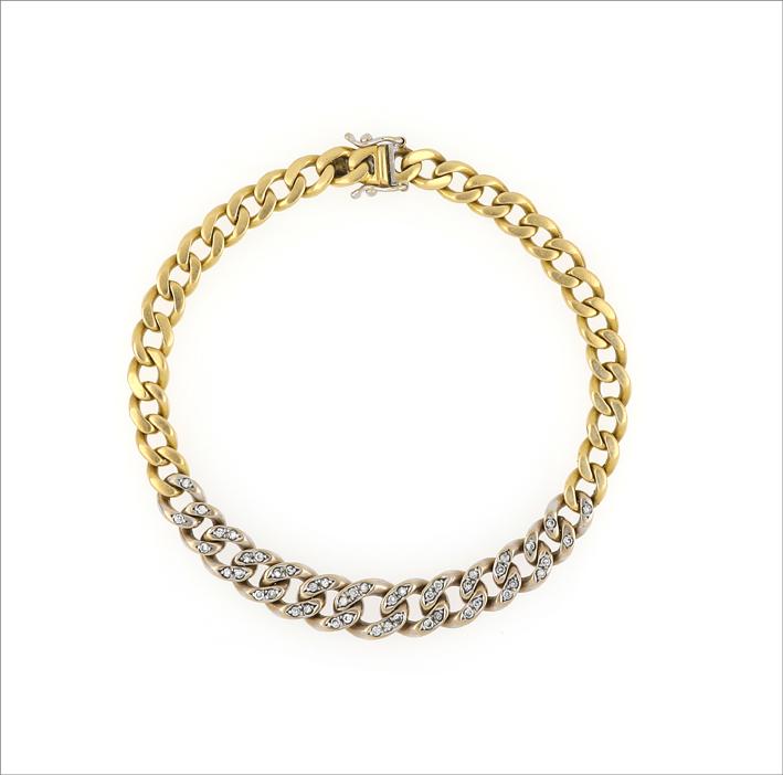 Collana a catena in oro giallo e pavé di diamanti