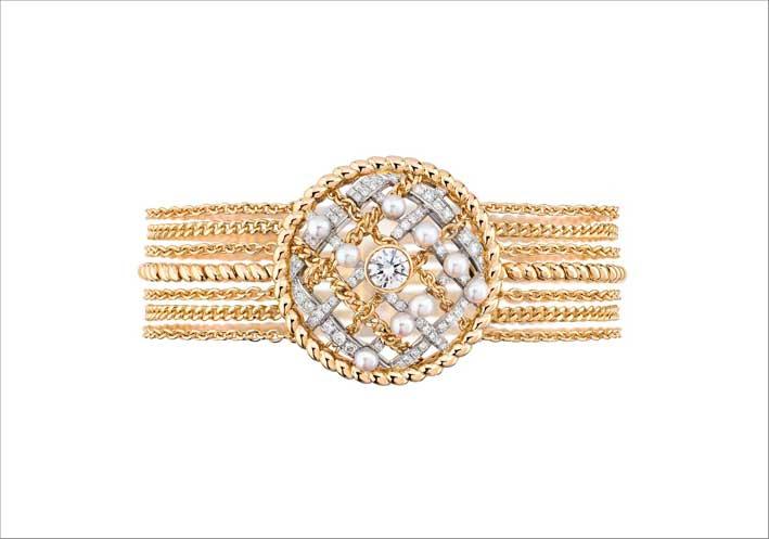 Bracciale in oro giallo con diamanti e perle