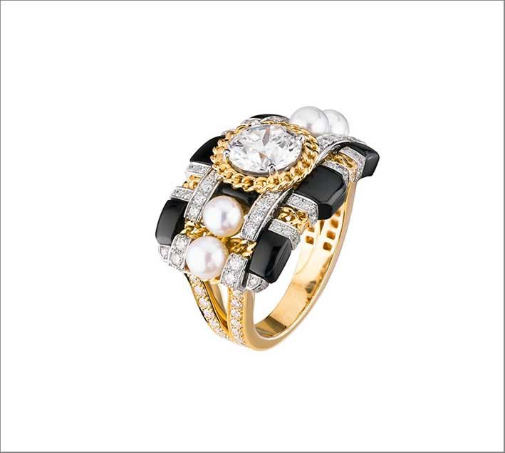 Bracciale orologio in oro giallo, diamanti, onice, perle