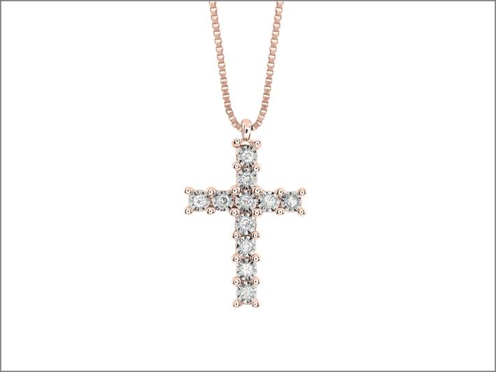 Collana in oro rosa e croce con diamanti