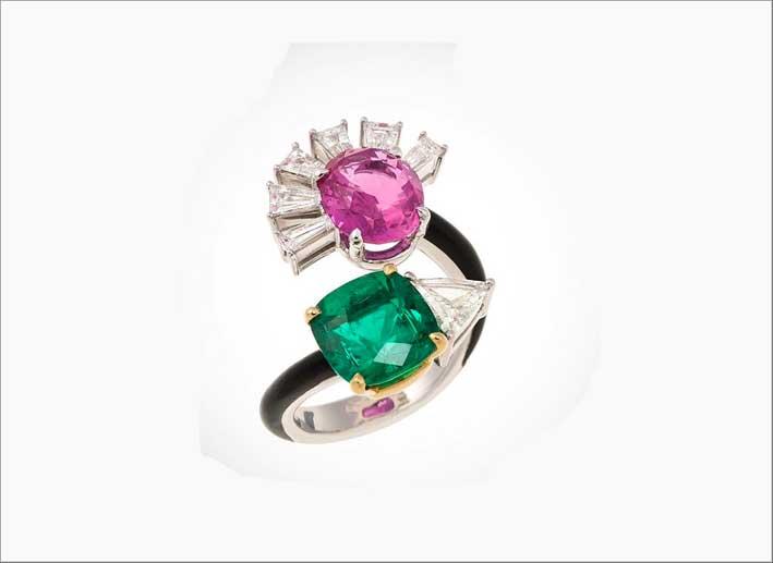 Anello Toi & Moi in oro bianco e smalto nero con zaffiro rosa, smeraldo colombiano, diamanti