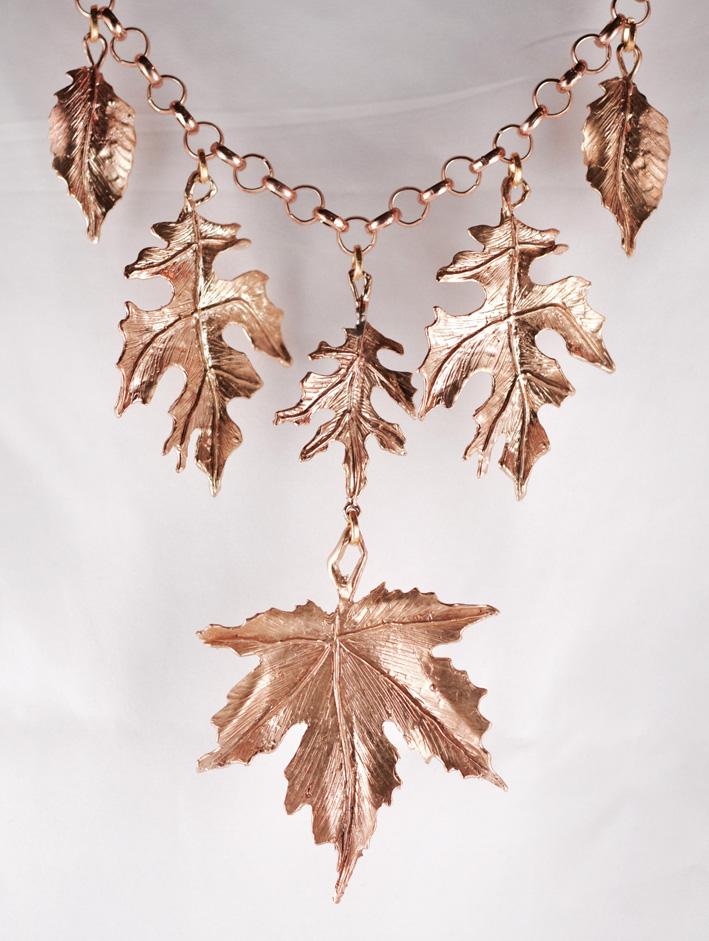 Collana della collezione Foglie