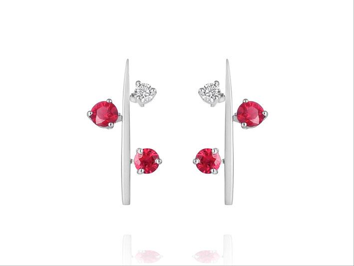 Orecchini in oro bianco, rubini, diamanti