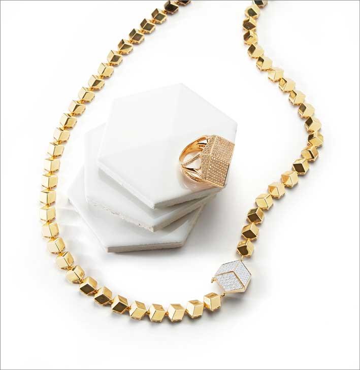 Anello e collana in oro e diamanti