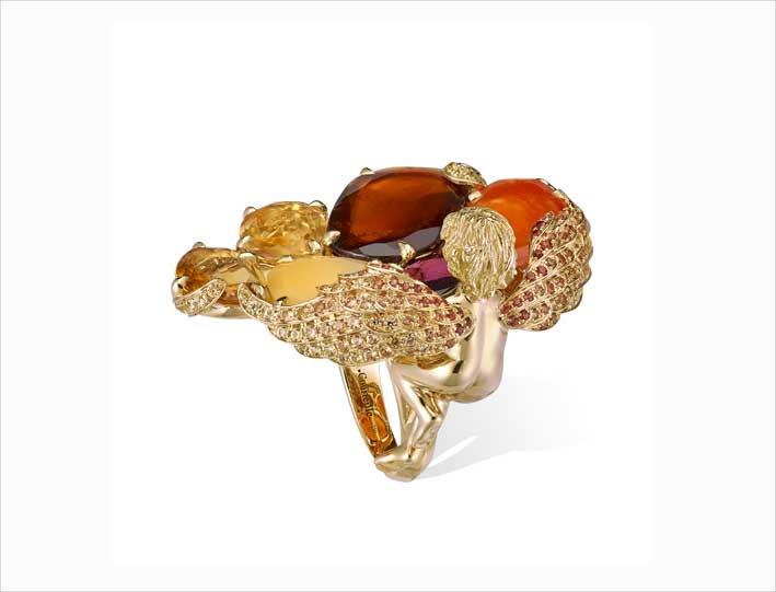 Anello in oro, titanio, diamanti, ambra, granati, opale di fuoco, zaffiri della collezione Chambre d'Ambre