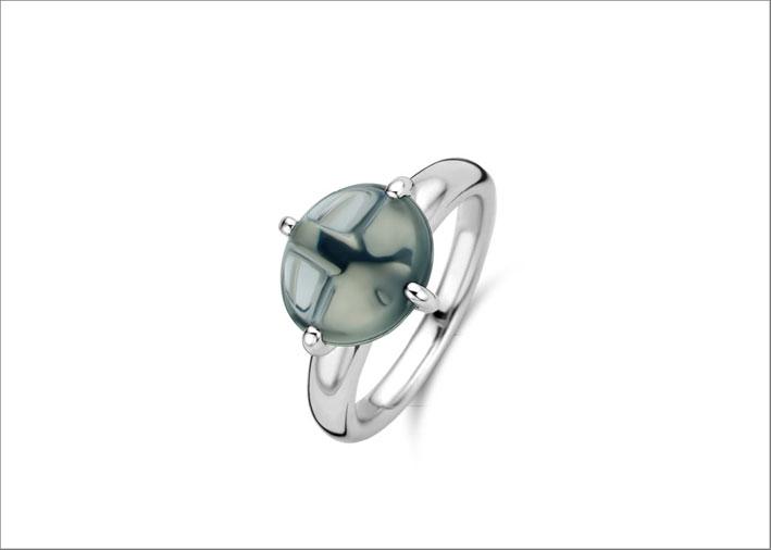 Anello in argento e cristallo sintetico