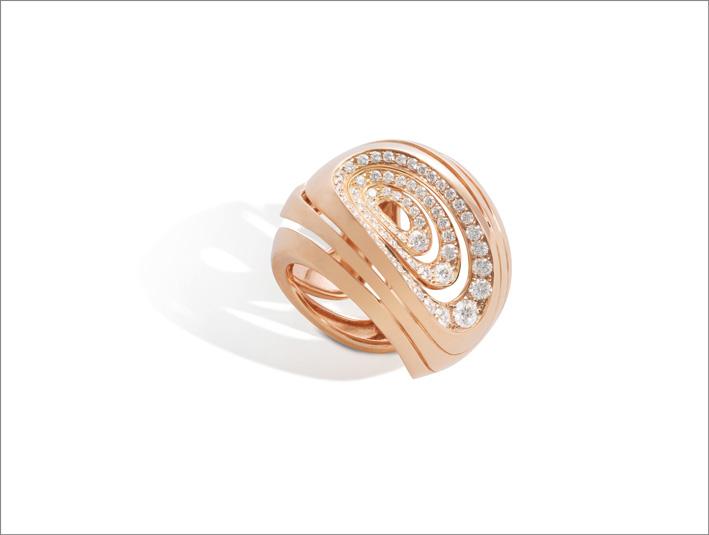 Anello in oro rosa e diamanti della collezione Aura