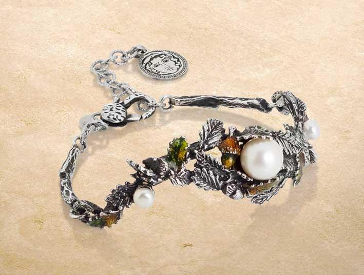 Bracciale in argento e perle