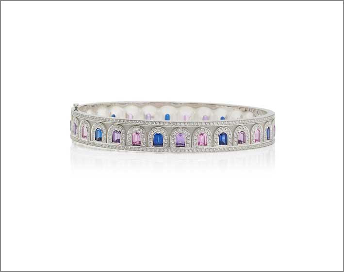Bracciale L'Arc Déco, in platino, zaffiri e diamanti