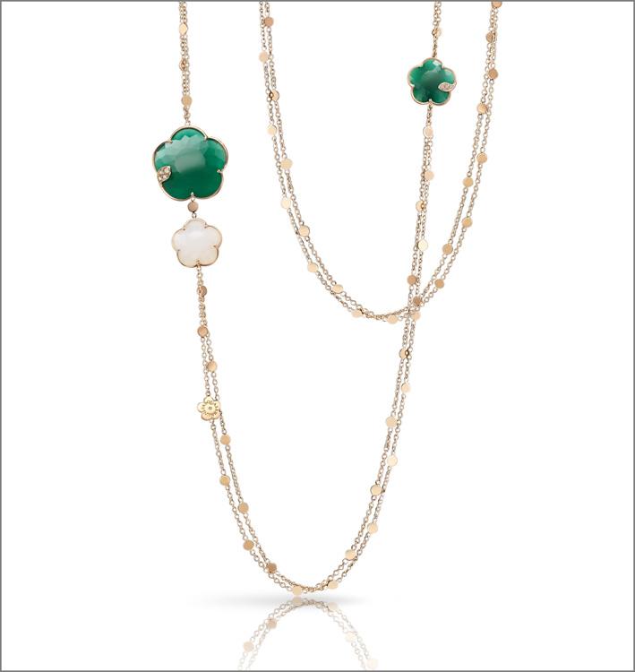 Collana della collezione Ton Joli in oro rosa, agata verde e bianca