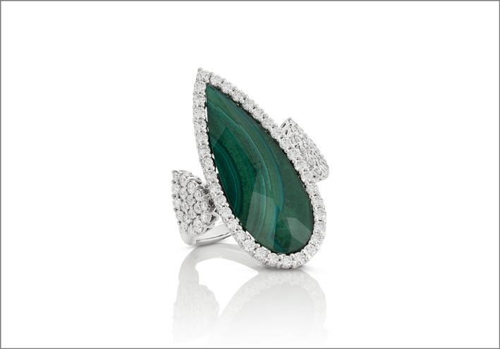 White gold ring with malachite and crystal rock doublet and diamonds