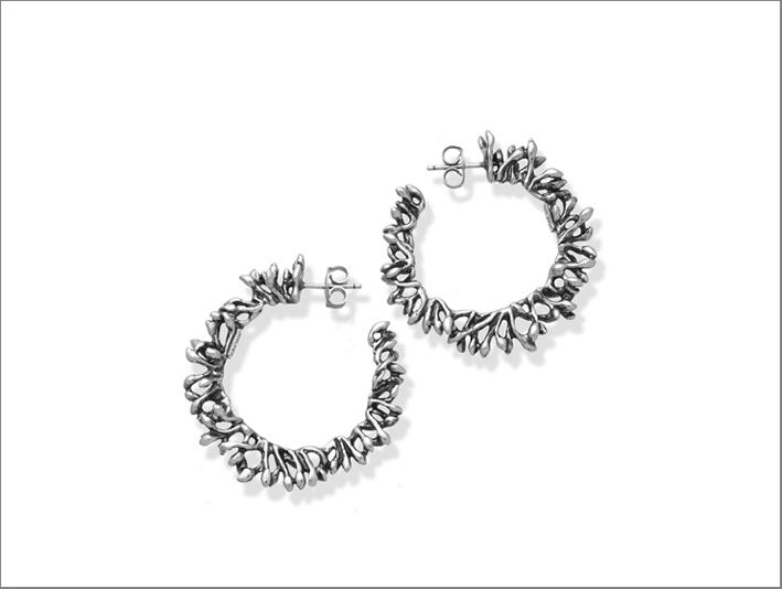Orecchini in argento della collezione Berries