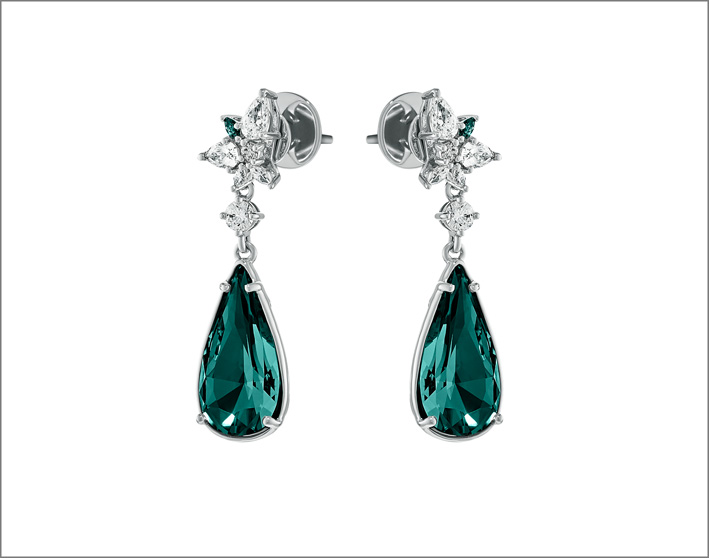 Orecchini con cristalli verdi