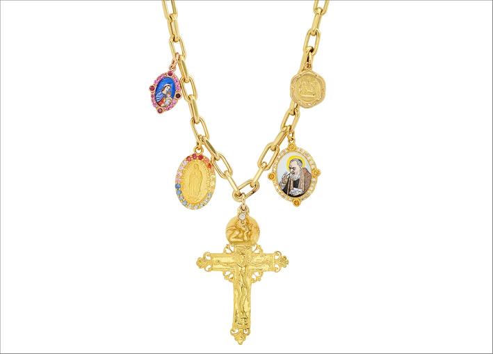 Collana in oro con croce e medaglia di Padre Pio