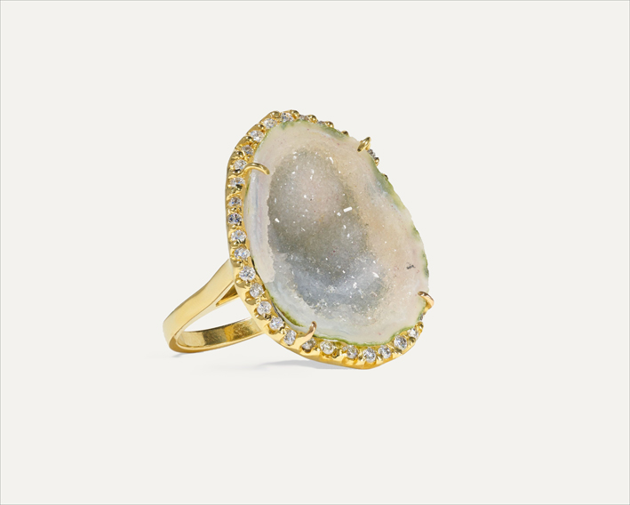 Anello in oro 18 carati, geode e diamanti