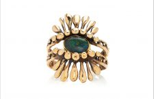 Anello in bronzo e opale nero australiano