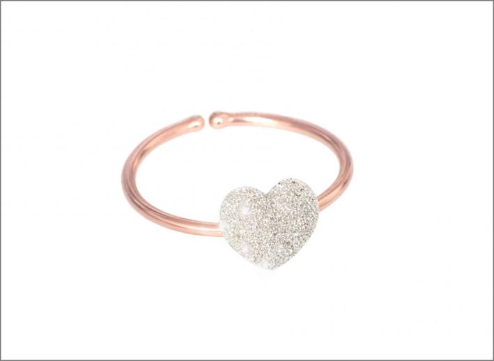 Anello Aurum, con cuore in micro polvere di diamanti bianca