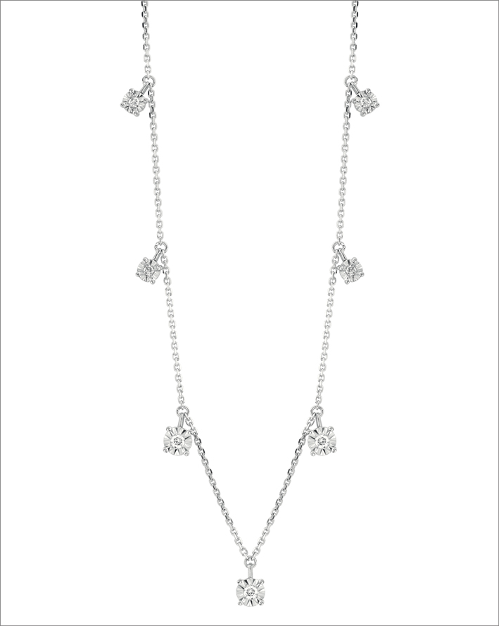 Collana della collezione Sole, in oro bianco e diamanti