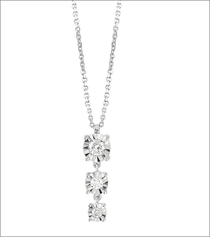 Pendente della collezione Sole, in oro bianco e diamanti