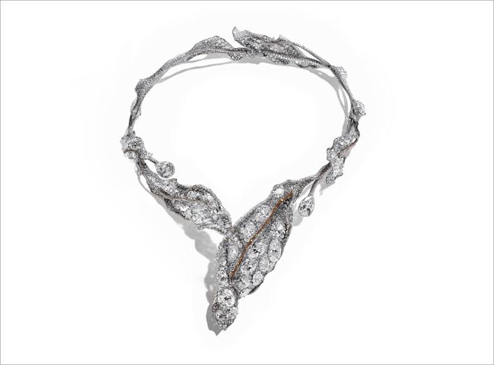 Black Label Masterpiece IX Winter Leaves necklace. Diamanti bianchi e gialli, titanio. Premiata a Masterpiece London 2019
